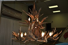 A chandelier made out of elk and deer antlers