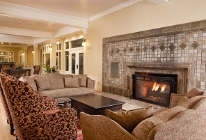 The warm and inviting lobby of the Lake Yellowstone Hotel