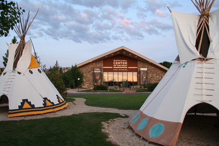 Buffalo Bills Center of the West with Tipis