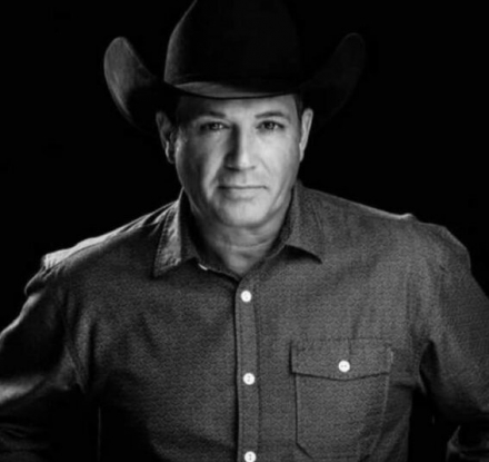 Yellowstone Cutthroat Guest Ranch | Tracy Byrd in Concert 1