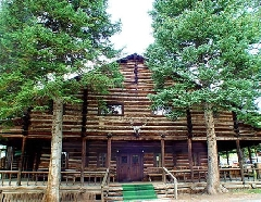 Pahaska Tepee Resort - Outside view