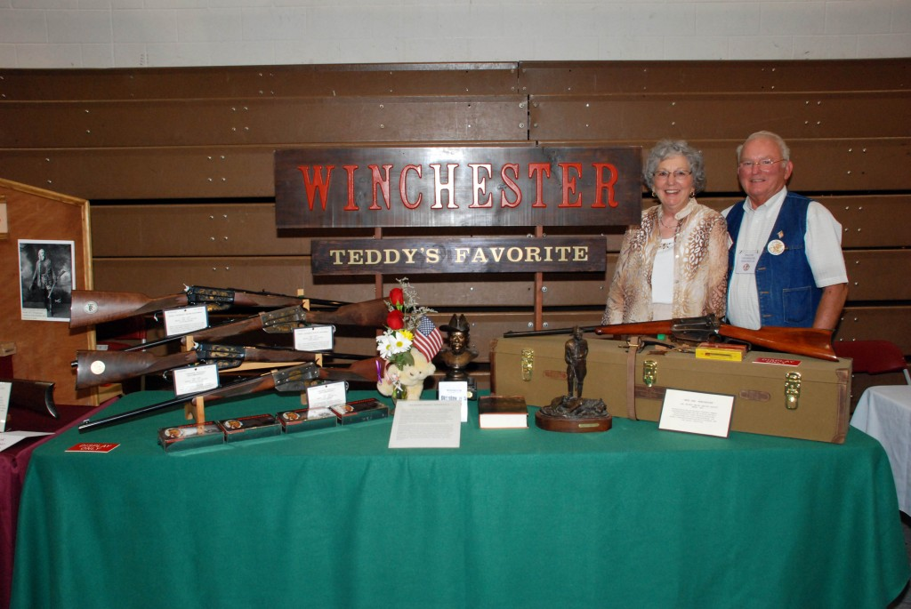 Winchester Arms Collectors Show ( (5)