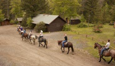 Absaroka Mtn Lodge trail ride