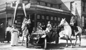 A black and white photo of Buffalo Bill outside the Irma hotel